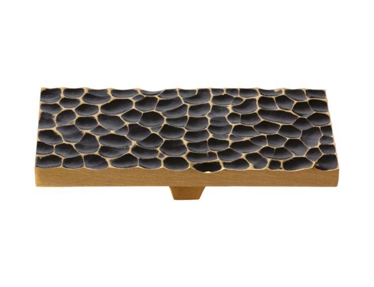 Nábytková úchytka Kabara 80x50mm s černou patinou